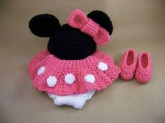 Free Minnie Inspired Crochet Skirt Pattern. Links to diaper cover also on this post.