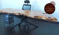230x80 ölçülerinde birleşme yapılmamış tek parça çınar ağacının doğallığı bozulmadan işlenmesi ile üretilmiştir. Toplantı, ofis ve yemek masası olarak kullanıma uygundur. Özel üretim metal ayakları ile Türkiye'nin her yerine ücretsiz kargo ile gönderim yapılmaktadır.