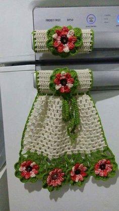 Beautiful kitchen pieces made in crochet - Fazer croche Crochet Motifs, Crochet Potholders, Thread Crochet, Crochet Doilies, Crochet Flowers, Crochet Patterns, Crochet Kitchen, Crochet Home, Crochet Crafts