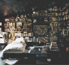 Best rooms for book lovers----This bedroom that's the perfect place to curl up with a cup of tea and a good book.