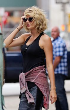 I can't believe people are making more fuss about the breakup than Taylor is I'm living