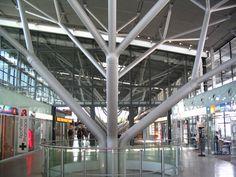 Stuttgart_Airport_Interior_2005-06-02.jpg (2048×1536)