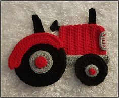 This is a pattern for an adorable classic tractor applique This can be affixed to an afghan or any other item you would like The finished product will be approximately 8 5 wide x 6 5 high The size can be adjusted easily by changing your hook size Crochet Car, Crochet Amigurumi, Crochet Toys, Beaded Crochet, Blanket Crochet, Crochet Applique Patterns Free, Crochet Motifs, Crochet Appliques, Felt Patterns