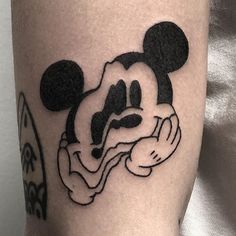 35 Trendy Tattoo For Women Small Meaningful Symbols Simple Mickey Mouse Half Sleeve Tattoos Designs, Tattoos For Women Half Sleeve, Mouse Tattoos, Cartoon Tattoos, Leg Tattoos, Body Art Tattoos, Turtle Tattoos, Tribal Tattoos, Tatoos