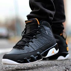 Air Jordan IX in Black / Citrus