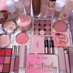 MAC Cosmetics - Fafi For Mac Products make up products Makeup Goals, Makeup Kit, Skin Makeup, Makeup Brushes, Beauty Makeup, Beauty Tips, Makeup Eyeshadow, Beauty Photos, Makeup Organization