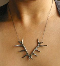 antler necklace, super cute!! Reminds me of you Blue..can't wait to be an official country girl!