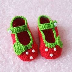 Lovely Crochet Pattern Red Strawberry Hand Made Baby Shoes