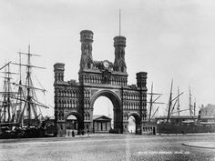 The Royal Arch, Dundee, Scotland.