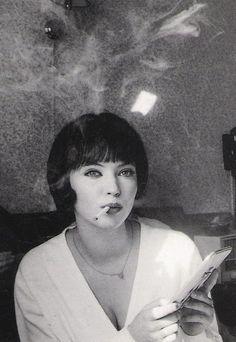 Anna Karina in Vivre sa vie - Jean-Luc Godard Anna Karina, French New Wave, Cigarette Girl, Jean Luc Godard, Film Images, French Films, French Actress, Women Smoking, Looks Cool