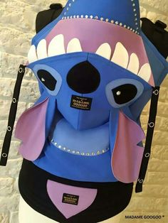 Madame Googoo Stitch baby carrier- Charles pick :c) Best Baby Carrier, Baby Wrap Carrier, Man Cub, Baby Carrying, Disneyland Trip, Baby Wraps, Baby Prints, Baby Disney, Cloth Diapers