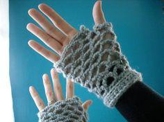 Darling Diamond Fingerless Gloves ~ free pattern