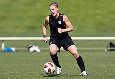 Get-Fit Tips from the U.S. Women's National Soccer Team - : Brad Smith/isiphotos.com http://www.fitbie.com/slideshow/get-fit-tips-us-women-s-national-soccer-team