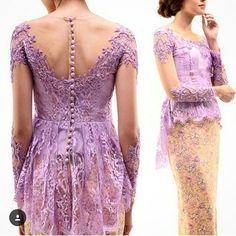 Thankyou for sharing  . Bagikan model kebaya dan gaun hits kamu  tag ke  @kebayahits Dgn hastag  #kebayahits . NB:  Model kebaya/dress nya harus kelihatan jelass!  Yg NAMA IG nya RIBETTTT gak bakal di repost! . #kebaya #kebayabridesmaid #kebayahamil #pasupasu #dresskebaya #kebayagaun #kebayamodern #inspirasikebaya #kebayahijab #kebayaindonesia #batik #batak #bataktoba #kebayapengantin #kebayapendek #bataknese #kebayadress #karonese #batakness #gaunpesta #prewedding #kebayamodifikasi…