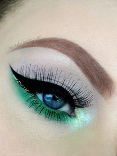 If you're in St Patrick's Day mood. If you are looking for any ideas for St. Patricks day makeup we are here to help you. Our ideas for St. Patrick day makeup look will meet all you requirements. Kate Makeup, Makeup Fx, Artist Makeup, Day Eye Makeup, Day Makeup Looks, Skin Makeup, Makeup Inspo, Makeup Inspiration, Beauty Makeup
