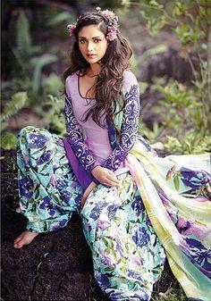 Aditi Rao Hydari Purple Punjabi Suit