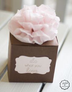 cupcake box ~ love for favors!