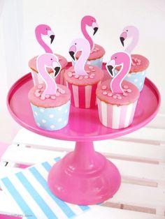 Flamingo Birthday Party Cupcakes - BirdsParty.com