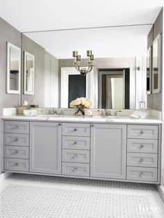 The bathroom mirror should be one of your considerations when it comes to bathroom décor. Let's see what small bathroom mirror design in 2019 that suits you. Modern Bathroom Mirrors, Bathroom Mirror Design, Bathroom Mirror Cabinet, Large Bathrooms, Mirror Cabinets, Dresser With Mirror, Amazing Bathrooms, Master Bathroom, Grey Dresser