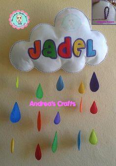 nube rellena y puesta en pared con sello andreascrafts