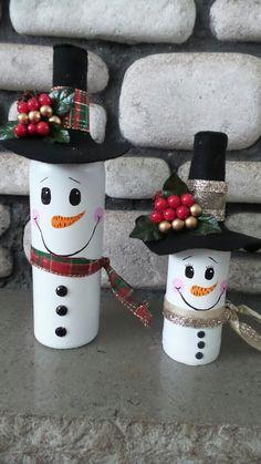 Easy DIY Dollar Store Christmas Decorating Ideas for Living Room - Wine Bottle Crafts Snowman Decorations, Snowman Crafts, Christmas Projects, Holiday Crafts, Christmas Decorations, Fun Christmas Party Ideas, Christmas Fun, Ideas Party, Christmas Wine Bottles