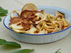Mele e pere di varietà tradizionale locale essiccate