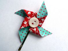 Pinwheel Bobby Pin tutorial! This would be cute as a hair clip for baby boo.