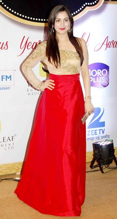 Shraddha Arya at Gold Awards 2015 - #GoldAwards2015. #Bollywood #Fashion #Style #Beauty