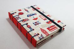 Copta Francesa, Azul e Jeans 💙📒 #coptafrancesa #caderno #cadernos #cadernosartesanais #cadernojeans #papelaria #feitoàmão #encadernaçãomanualartística #bluejeans #bookbinding #stationery #frenchstitch #binding #handmade #handbooks #crafts