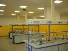 Incontro 28 gennaio: laboratorio di chimica .. in sicurezza