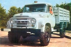 The SR 132 Carpati was produced at the same time with SR 131 Carpati model, in The car was equipped with same engine just as the SR Classic Trucks, Classic Cars, Romans 2, Mercedes Benz Unimog, Toyota Land Cruiser, Cars And Motorcycles, Cool Cars, 4x4, Antique Cars