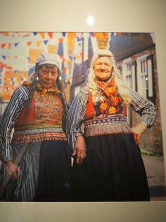 Never too old to learn: Hollandse klederdracht in het Zuiderzee Museum in Enkhuizen #NoordHolland #Marken