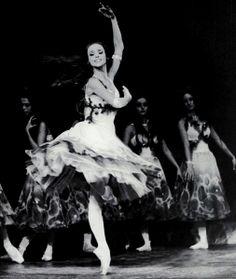 Sorella Englund / Royal Danish Ballet (Photo: John R. Dance Art, Ballet Dance, George Balanchine, Ballet School, Nureyev, John R, Ballet Photos, Just Dance, Scouts