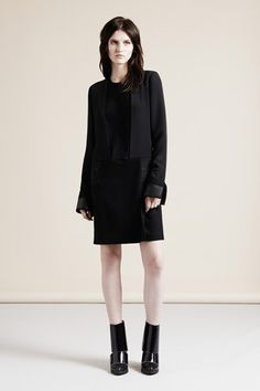 View all the look book pictures from the Nicole Farhi autumn (fall) / winter 2013 collection. Runway Fashion, Fashion Show, Fashion Outfits, Fashion Design, Nicole Farhi, Signature Look, Office Fashion Women, Editorial Fashion, Ready To Wear