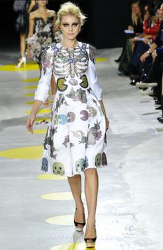 Giles Deacon's Pac Man inspired fashion show