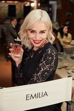 The Only One 2 Eau de Parfum – Parfum pour femmes At the center of attention, with her radiant allure, Emilia Clarke is The Only One. Nina Ricci Parfum, Brown Blonde Hair, Perfume, Tips Belleza, Belfast, Beautiful Celebrities, Hair Inspo, My Hair, Beauty Hacks