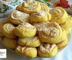 Kókuszkrémes csiga recept   Mindmegette.hu Cookie Recipes, Dessert Recipes, Desserts, Winter Food, Pretzel Bites, Oreo, Food To Make, Muffin, Food And Drink