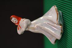 Preciosa rusa de porcelana de mediados del XX.