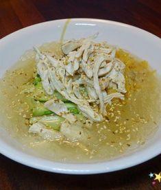 심하게 고소하고 특히 부드러운 밑반찬 ' 진미채볶음 만드는 법' New Menu, Korean Food, Noodles, Spaghetti, Food And Drink, Rice, Yummy Food, Chicken, Meat