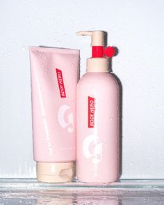 Hero—glowy dewy skin for the rest of you. Upgrade your shower at Glossier.com