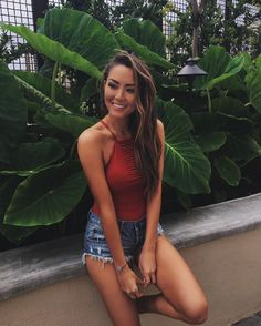 """Jessica Ricks (@hapatime) on Instagram: """"Only good vibes ❤ #oahu"""""""