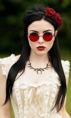 Model/MUA: Lady Kat Eyes Photo: Digitalbeautystudio Dress: Burleska Corsets Glasses: Victorian Time Machine Welcome to Gothic and Amazing Moda Steampunk, Gothic Steampunk, Steampunk Fashion, Dark Beauty, Goth Beauty, Grunge Style, Soft Grunge, Dark Fashion, Gothic Fashion