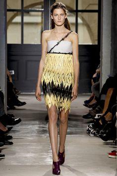 estoy alucinada con la colección de Balenciaga SS 2012-13 ALAMBRE DE PUAS CHIC???  LO MASSSSSSSS