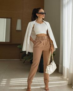 Crop Top Outfits, Dressy Outfits, Chic Outfits, Fashion Outfits, Looks Chic, Casual Looks, Semi Formal Outfits For Women, Look Fashion, Girl Fashion