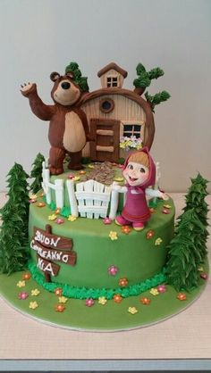 Masha and The bear cake orso Bear Birthday, Birthday Cake Girls, Birthday Fun, Baby Cakes, Girl Cakes, Beautiful Cakes, Amazing Cakes, Fondant Cakes, Cupcake Cakes