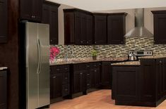 Solid Wood Cabinets is a quality, cheap priced kitchen cabinet company. You can get the highest quality kitchen cabinets at the most affordable prices. Shaker Kitchen Cabinets, Wood Cabinets, Shaker Style Doors, Quality Cabinets, Wood Boxes, New Kitchen, Home Remodeling, Countertops, Kitchen Remodel