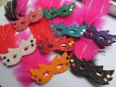 Máscaras com glitter importado,lantejoulas,plumas. KIT COM 10 UNIDADES