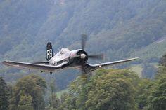 Schon von kleinauf liebe ich solche Alten Maschinen. Der Sound ist für mich einfach unvergleichlich :-) Fighter Jets, Aircraft, Vehicles, Amor, Simple, Aviation, Plane, Airplanes, Cars