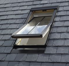Get the VELUX GGL Conservation Centre-Pivot Roof Window for Slate Roof today. Ken's Yard offer a great range of VELUX Conservation Roof Windows and a wider range of VELUX Windows. Shed Roof, House Roof, Fibreglass Roof, Modern Roofing, Roof Window, Slate Roof, Roof Architecture, Roof Light, Roofing Materials