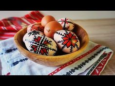 Cum colorez Oua de Pasti Marker, Eggs, Easter Ideas, Breakfast, Food, Morning Coffee, Markers, Essen, Egg